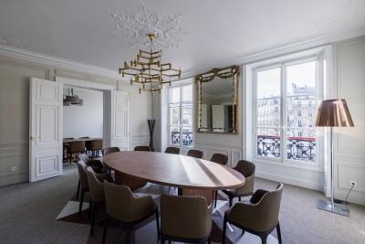 Rénovation de bureaux et salles de réunion cosy et traditionnels