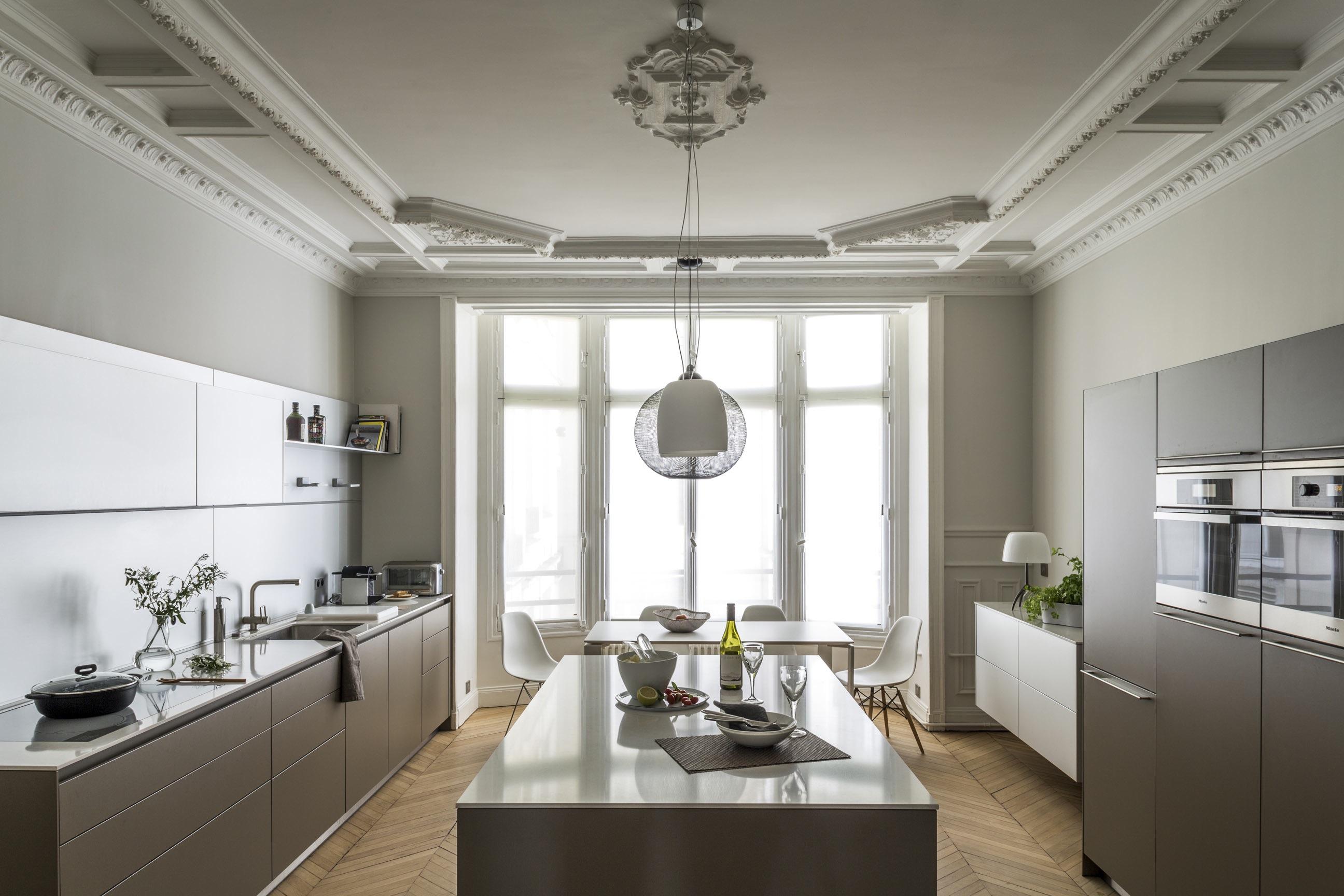 Idee Decoration Appartement : Appartement haussmannien et contemporain à paris agence