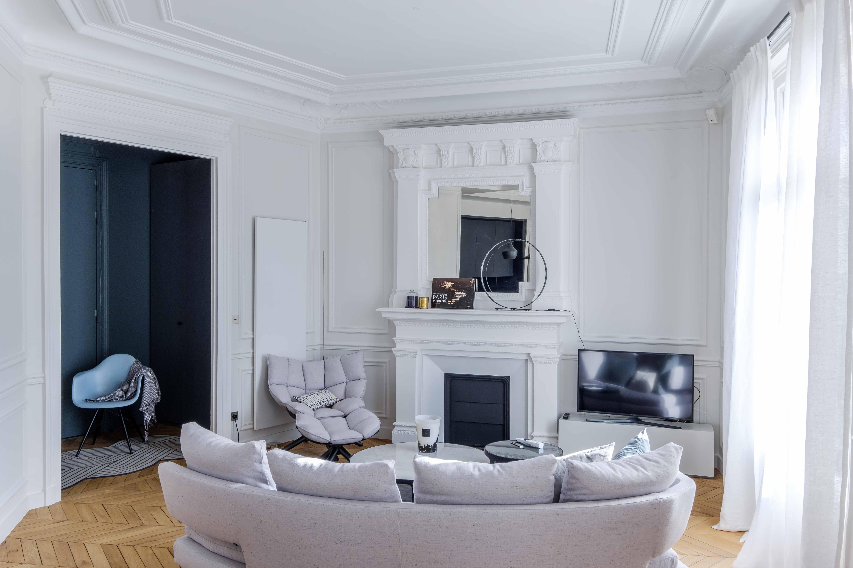 Il A En Effet Fallu Conjuguer Ergonomie Et Esthétique, Design Contemporain  Et Tradition Haussmannienne Typique De Paris.